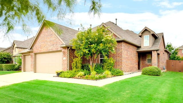 Photo 1 of 29 - 8121 Mountain Cedar Dr, Fort Worth, TX 76131