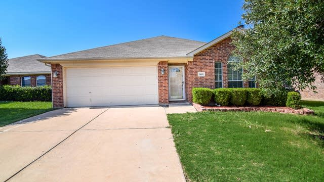 Photo 1 of 34 - 3809 Carlsbad Way, Fort Worth, TX 76244