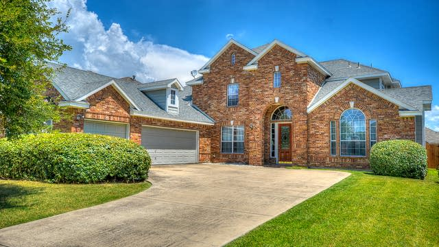 Photo 1 of 43 - 9714 Pinehurst Dr, Rowlett, TX 75089