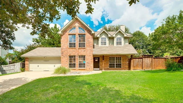 Photo 1 of 26 - 424 Caviness Dr, Grapevine, TX 76051