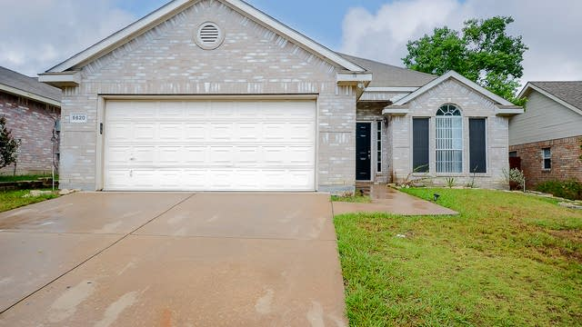 Photo 1 of 20 - 5620 High Creek Dr, Dallas, TX 75249