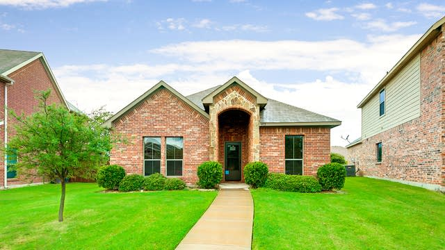 Photo 1 of 23 - 4713 Veronica Cir, Fort Worth, TX 76137