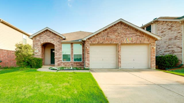 Photo 1 of 26 - 3644 Diamond Ranch Rd, Roanoke, TX 76262