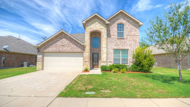 Photo 1 of 30 - 951 Crockett Dr, Lavon, TX 75166