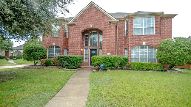 Photo 1 of 29 - 6701 Bankhead Ln, Plano, TX 75074
