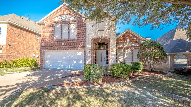 Photo 1 of 34 - 971 Lea Meadow Dr, Lewisville, TX 75077