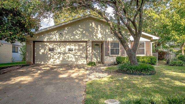 Photo 1 of 23 - 3134 Edelweiss Dr, Grand Prairie, TX 75052