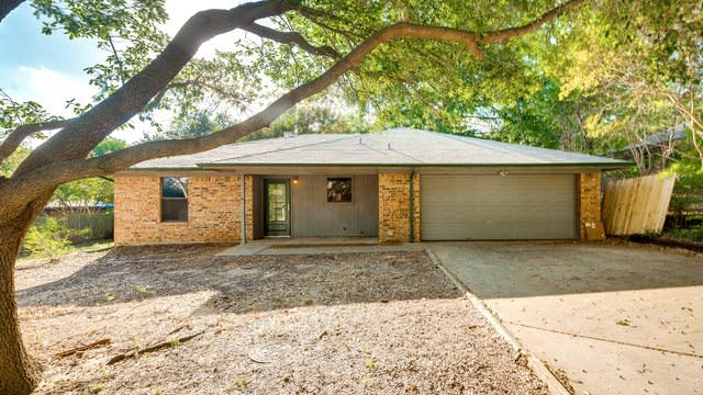 Photo 1 of 25 - 2558 Quail Ridge Dr, Denton, TX 76209