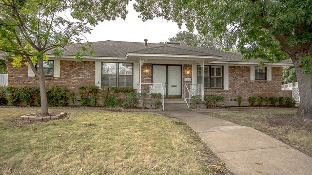Photo 1 of 37 - 3921 Mobile Dr, Garland, TX 75041