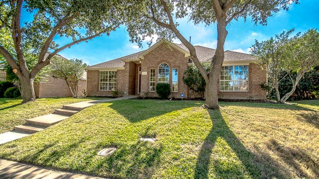 Photo 1 of 30 - 1372 Colby Dr, Lewisville, TX 75067