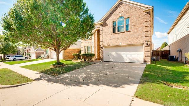 Photo 1 of 33 - 9909 Chadbourne Rd, Fort Worth, TX 76244