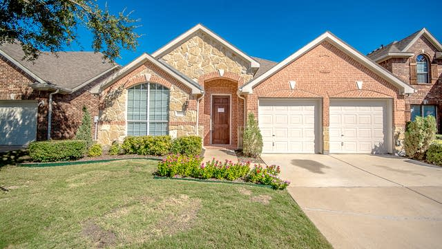 Photo 1 of 23 - 6824 Landing Dr, Grand Prairie, TX 75054