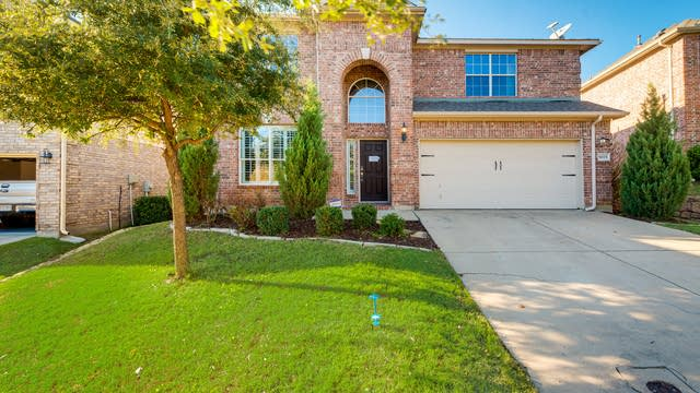 Photo 1 of 25 - 9025 Silsby Dr, Fort Worth, TX 76244