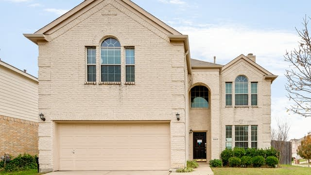 Photo 1 of 26 - 10017 Chadbourne Rd, Fort Worth, TX 76244