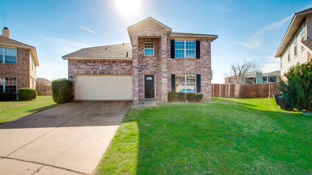 Photo 1 of 28 - 7300 Moon Ridge Ct, Fort Worth, TX 76133