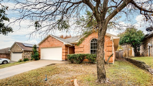 Photo 1 of 28 - 4732 Misty Ridge Dr, Fort Worth, TX 76137