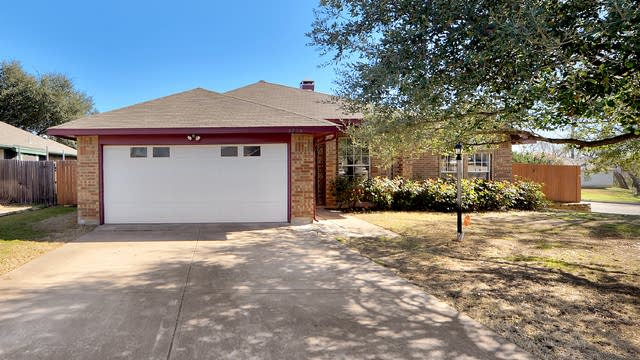 Photo 1 of 21 - 3758 Constitution Dr, Grand Prairie, TX 75052