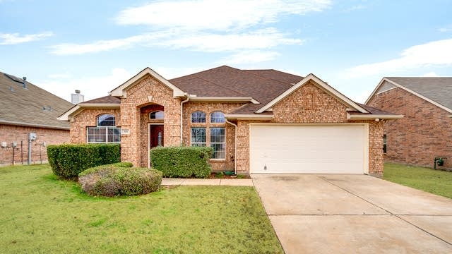 Photo 1 of 27 - 300 Crabapple Dr, Wylie, TX 75098