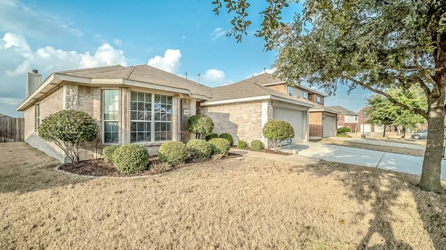 Photo 1 of 24 - 1529 Vista Ridge Dr, Forney, TX 75126