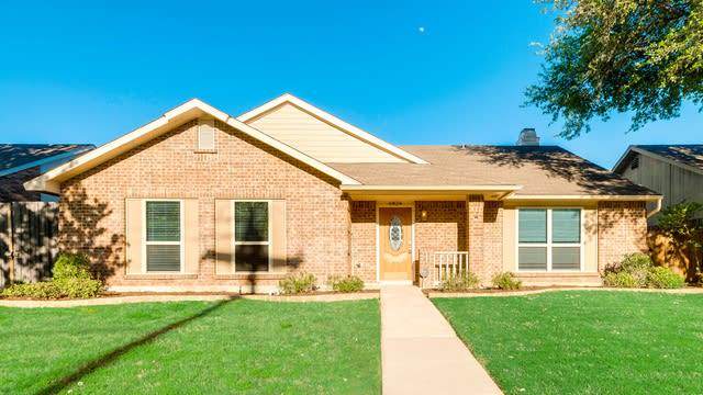 Photo 1 of 27 - 6824 Curry Dr, The Colony, TX 75056