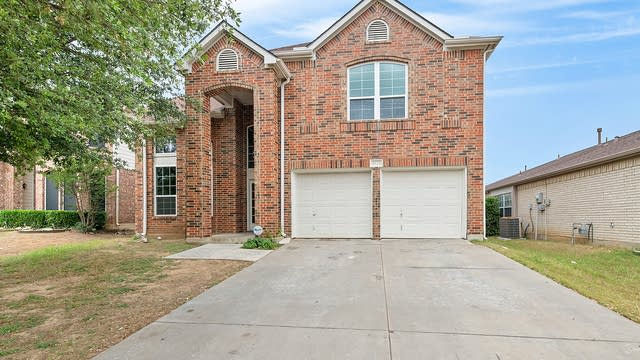 Photo 1 of 29 - 8320 French Quarter Ln, Fort Worth, TX 76123