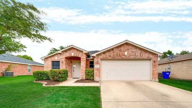 Photo 1 of 29 - 208 Stanford St, Forney, TX 75126
