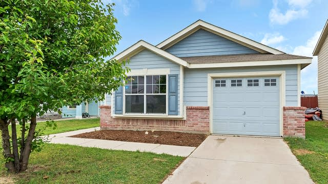 Photo 1 of 22 - 1729 Vineridge Ln, Burleson, TX 76028