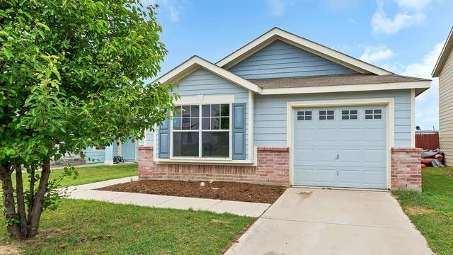 Photo 1 of 22 - 1729 Vineridge Ln, Burleson, TX 76028