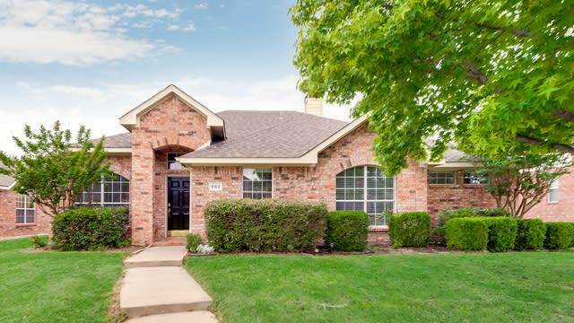 Photo 1 of 28 - 802 Cheyenne Dr, Allen, TX 75002