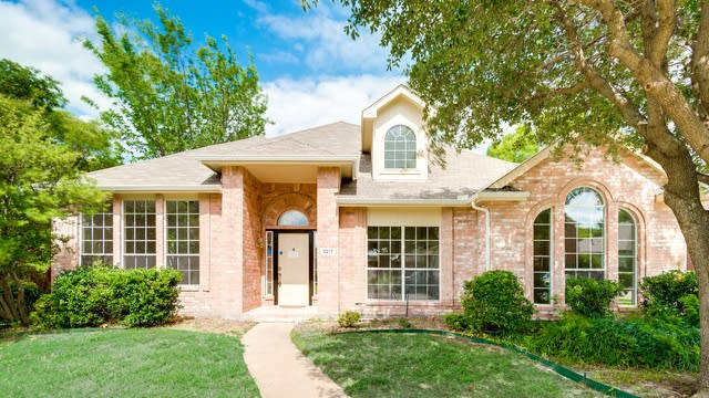 Photo 1 of 32 - 9217 Briarcrest Dr, Rowlett, TX 75089