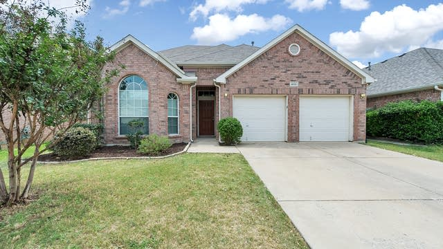 Photo 1 of 30 - 4616 Matthew Dr, Fort Worth, TX 76244
