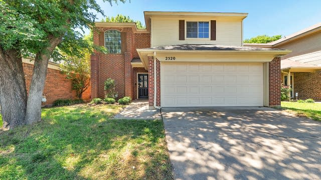 Photo 1 of 28 - 2520 Bear Haven Dr, Grapevine, TX 76051