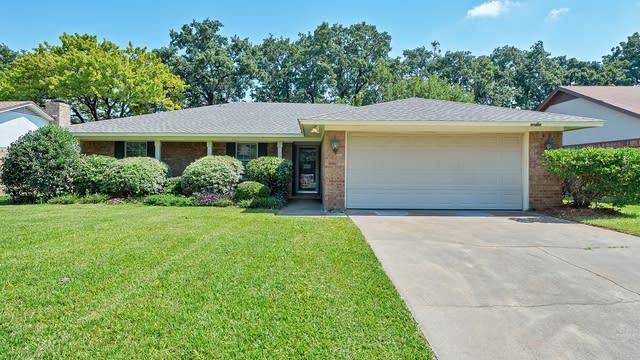 Photo 1 of 27 - 2913 Panhandle Dr, Grapevine, TX 76051