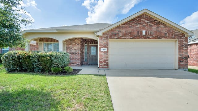 Photo 1 of 24 - 6225 Chalk Hollow Dr, Fort Worth, TX 76179
