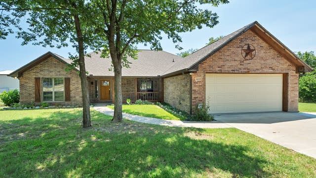 Photo 1 of 24 - 5619 Gebron Ct, Fort Worth, TX 76126