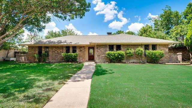 Photo 1 of 26 - 2805 Teakwood Ln, Plano, TX 75075