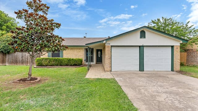 Photo 1 of 24 - 1124 Park Center Ct, Saginaw, TX 76179