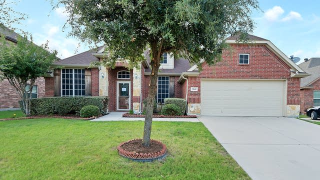 Photo 1 of 30 - 5840 Sunny Meadow Ln, Grand Prairie, TX 75052