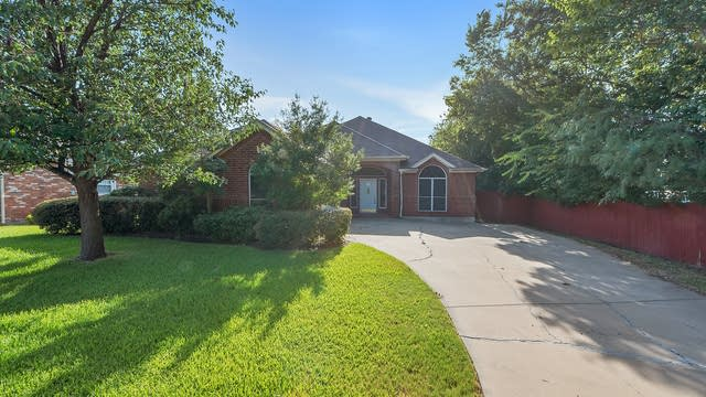 Photo 1 of 26 - 6775 Brittany Park Ct, North Richland Hills, TX 76182