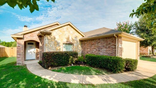 Photo 1 of 30 - 1208 Galicia Ln, Dallas, TX 75217