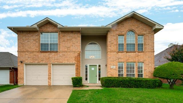 Photo 1 of 31 - 6713 Cambrian Way, Fort Worth, TX 76137