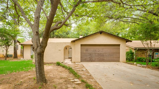Photo 1 of 29 - 2314 Leslie St, Denton, TX 76205