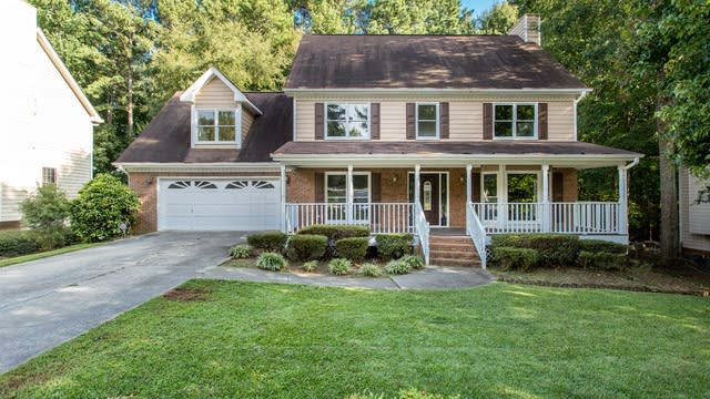 Photo 1 of 34 - 3542 Tree View Dr, Snellville, GA 30078