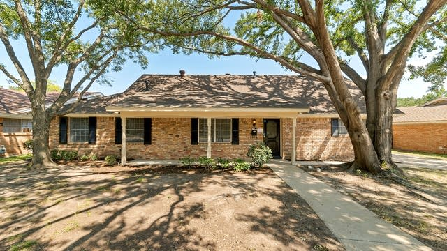 Photo 1 of 30 - 1104 Wentwood Dr, Irving, TX 75061