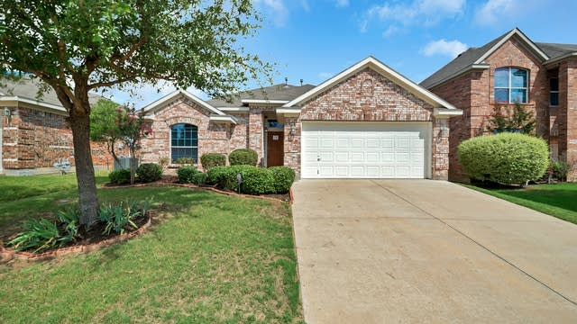Photo 1 of 25 - 9541 Willow Branch Way, Crowley, TX 76036