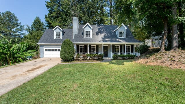 Photo 1 of 25 - 240 Wayside Dr, Lawrenceville, GA 30046