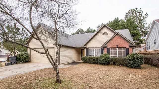 Photo 1 of 25 - 682 Loral Pines Ct, Lawrenceville, GA 30044