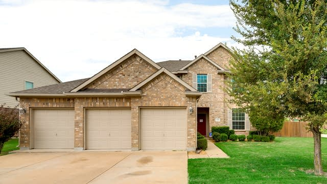 Photo 1 of 36 - 3000 Flowering Springs Dr, Forney, TX 75126
