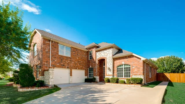 Photo 1 of 35 - 10110 River Bend Dr, Rowlett, TX 75089