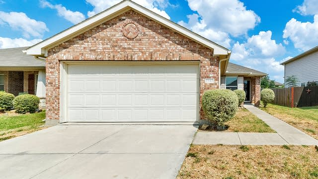 Photo 1 of 23 - 1943 Pez Dr, Grand Prairie, TX 75051